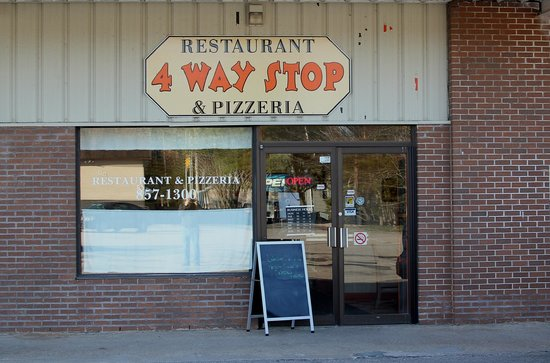 4 Way Stop Restaurant and Pizzeria
