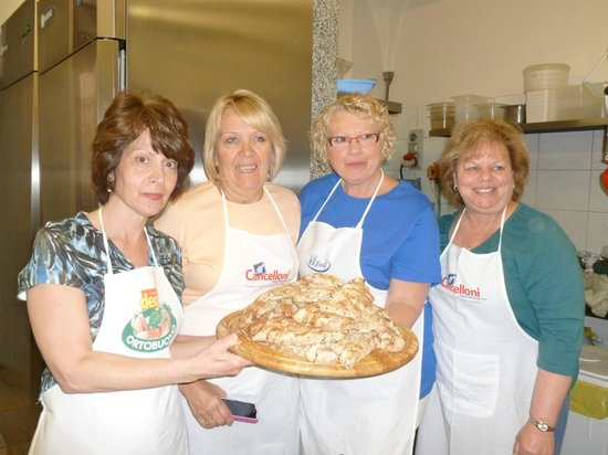 Dolce Maria : Cantucci made at the cooking lesson