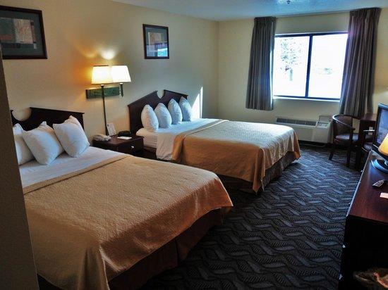Quality Inn: 2 Queen Beds