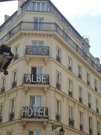 Hotel Albe Saint Michel: View of hotel from street