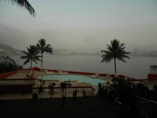 Ilha Porchat Hotel : Early morning