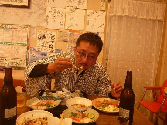 Yoneya Inn: 夕食風景