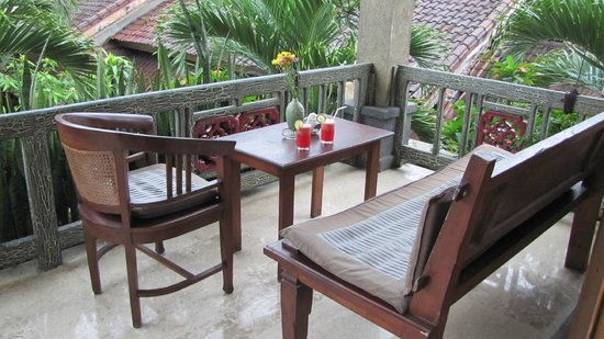 Cendana Resort and Spa: Welcome drinks on our balcony