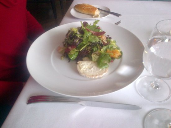 Henri: Goat cheese salad