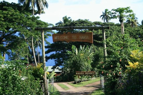 Nakia Resort & Dive : Resort entrance