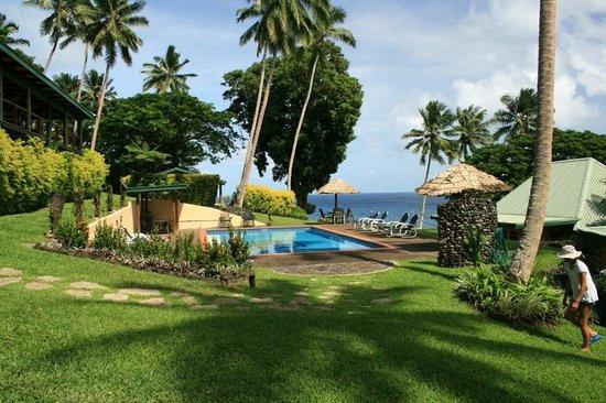 Nakia Resort & Dive: Resort grounds