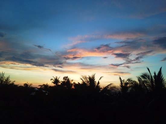 Shangri-La's Rasa Ria Resort & Spa: sunset time in balcony