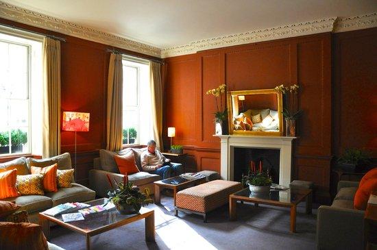 ذا كوينزبيري هوتل: Lounge