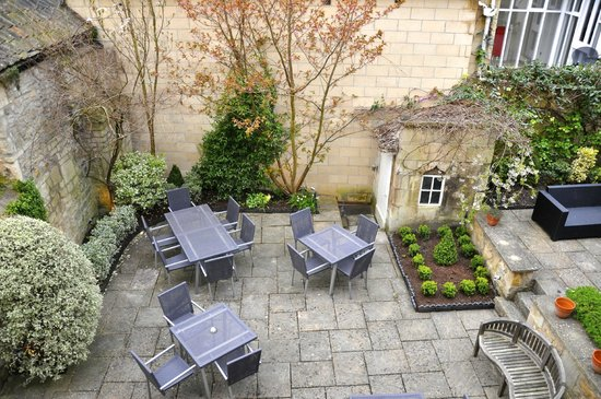 Queensberry Hotel: Relaxing Garden