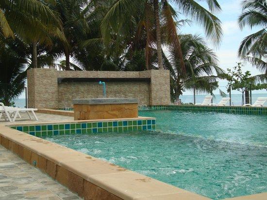 Koh Chang Kai Bae Beach Resort : pool