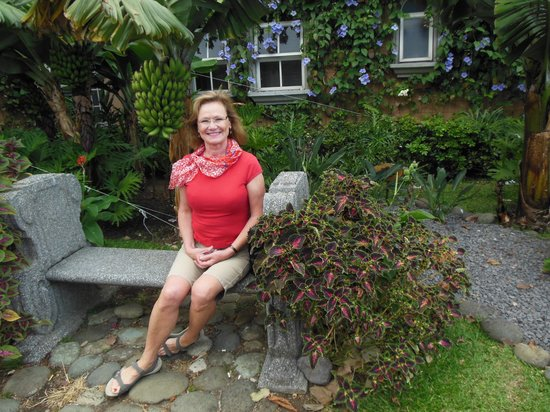 Casa Conde Hotel & Suites: Flora