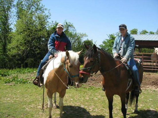 Pond Mountain Lodge and Resort: Riding horses at Steve's Stables