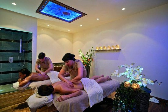 Olympic Lagoon Resort Paphos : Spa treatment room for couples