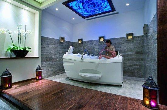Olympic Lagoon Resort Paphos: Spa treatment room