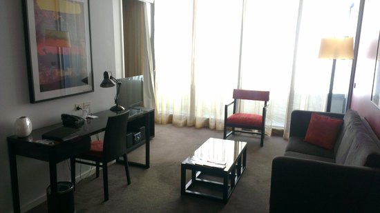 Adina Apartment Hotel Melbourne Northbank: Living Aread - RM 1012