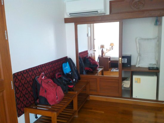 Thurizza Hotel Bagan: The room