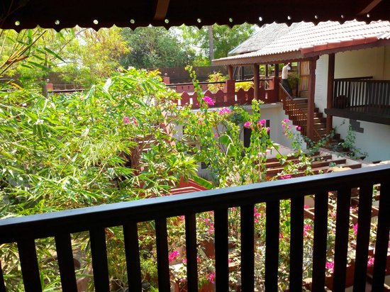 Thurizza Hotel Bagan: The verandah outside the room