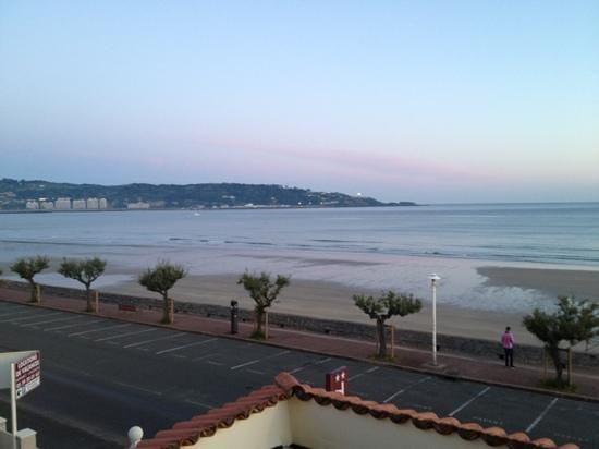 Hotel Valencia : vue de la chambre 4 au levé du jour