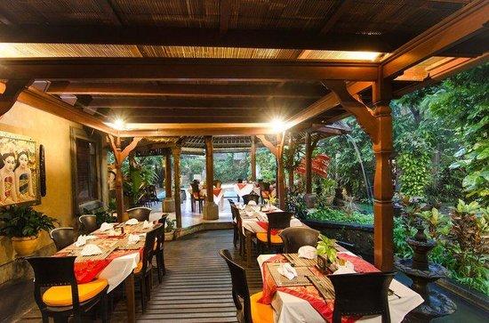 ศรี พาลา รีสอร์ท แอนด์ วิลล่า: Restaurant