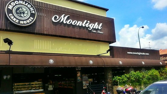 Moonlight Cake House Bukit Indah