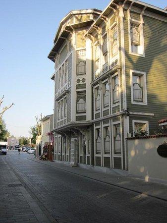 Hotel Yesil Ev: outside Yesil Ev