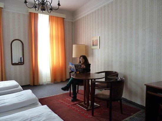 Atlanta Hotel: the spacious, comfortable room of Hotel Atlanta, Vienna