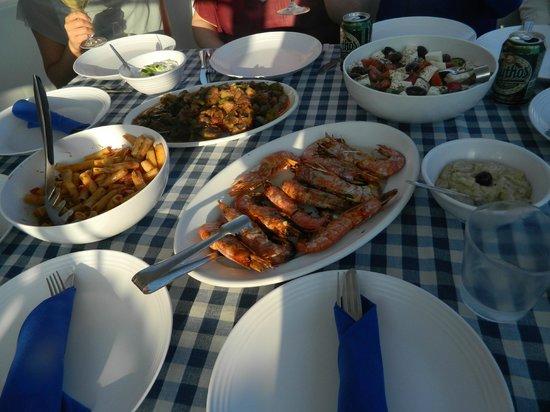 Santorini Sailing : Dinnertime on board Blue Lagoon 2