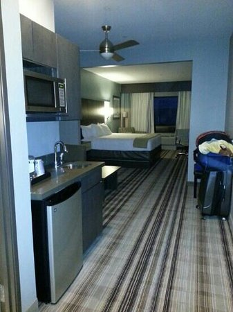 Holiday Inn Express & Suites Amarillo West: suite