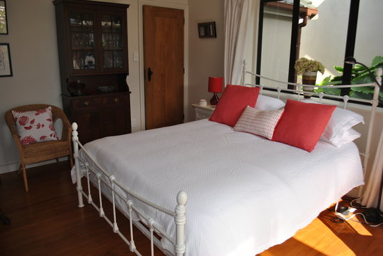 Terry and Cindy's Bed and Breakfast : Bedroom with ensuite