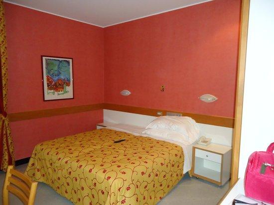 Junior Hotel: CAMERA