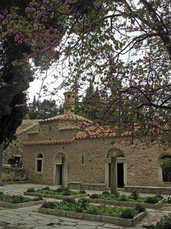 Monastère 1 - Picture of Kaisariani Monastery (Kessariani ...