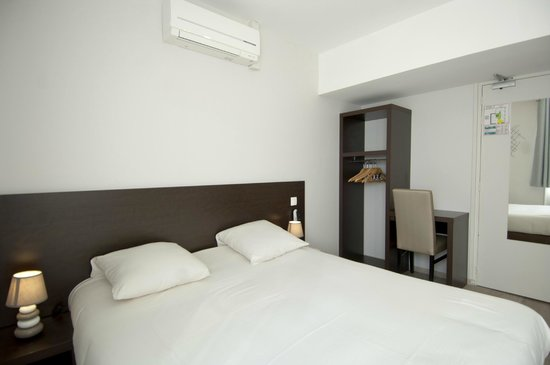 Royal Hotel : Chambre Double Confort/Room Comfort