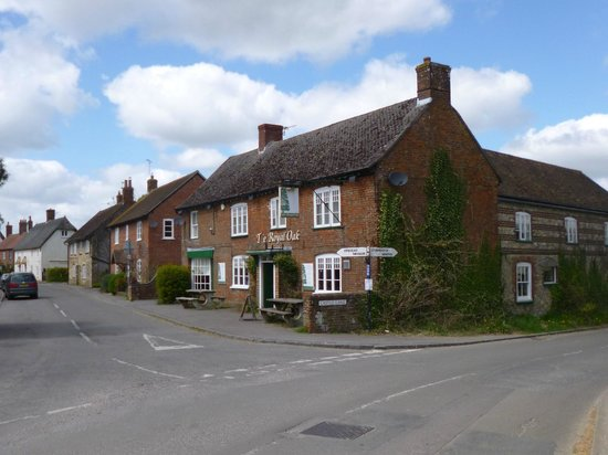 Blandford Forum, UK: The Royal Oak, Okeford Fitzpaine