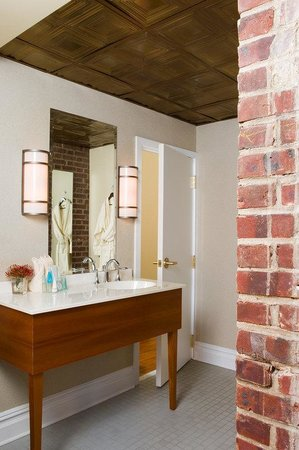 The Independent: Guest Bathroom
