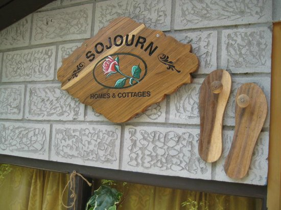 Sojourn Homes & Cottages: The Entry
