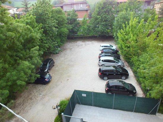 Hotel Ariston: parcheggio dalla camera