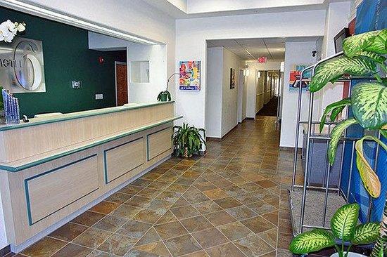 Motel 6 Fredericksburg: MLobby