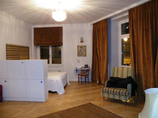 Crystal Suites: Lado izquierdo habitación