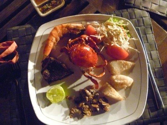 Sunny Paradise Resort : Local Cuisine