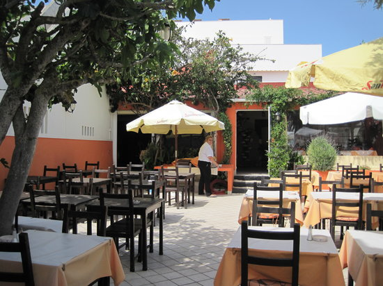 terrace area picture of restaurante tres coroas