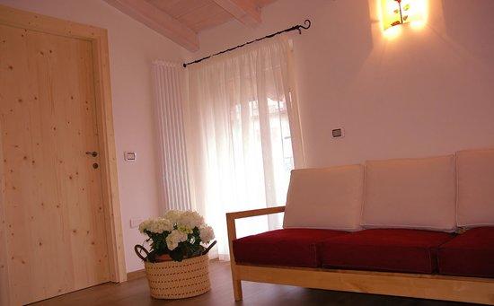 Giardino alla Torre Room & Breakfast - Apartment: SOGGIORNO APPARTAMENTO L'ARELA