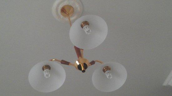 Hotel Villa Paradiso: Room lamp