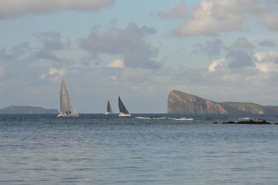 Beachcomber Le Canonnier Hotel: Sailboats on their way to Grande Baie