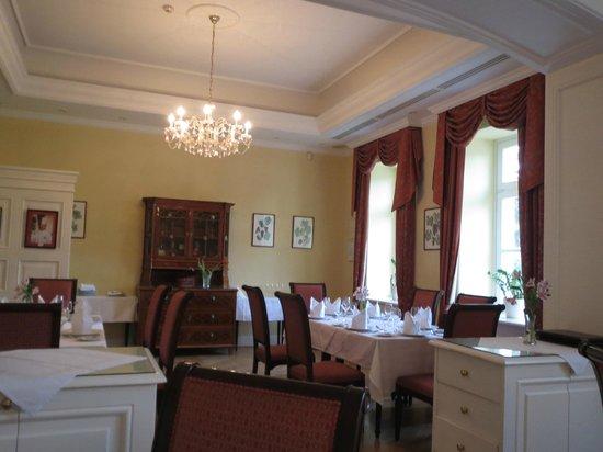 Grof Degenfeld Castle Hotel: Dining room