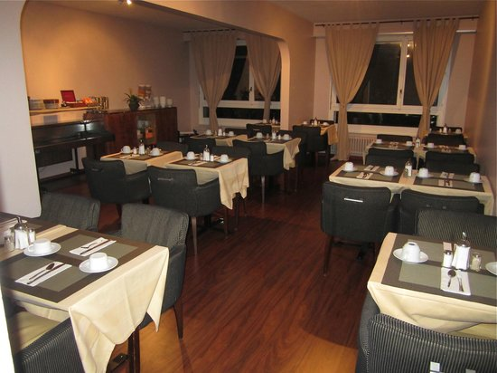 Hotel 33: Petit-Déjeuner