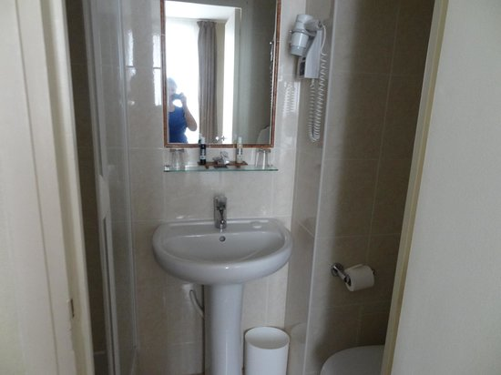 Acacias Etoile Hotel: Ванная комната