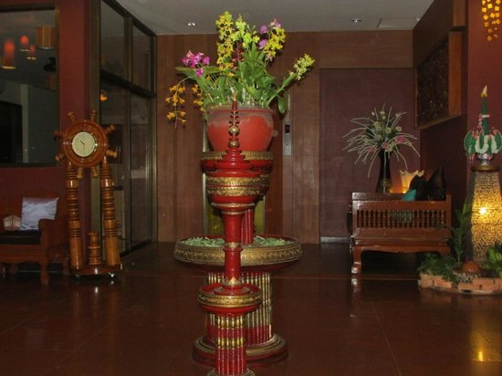 Chiangmai Night Bazaar Boutique Hotel: Le hall