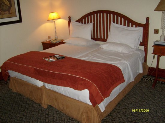 AVANI Gaborone Hotel & Casino: The bed