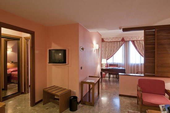 Suites Hotel - Foxa 25: Suite standard