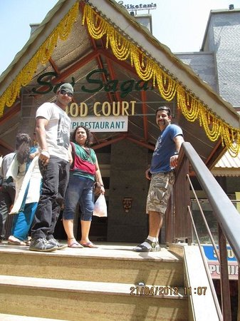 Sai Palace Budget Hotel : Food court
